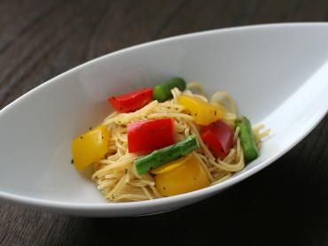 彩り野菜の香草パスタ