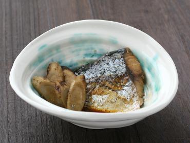 鯖とごぼうの煮物