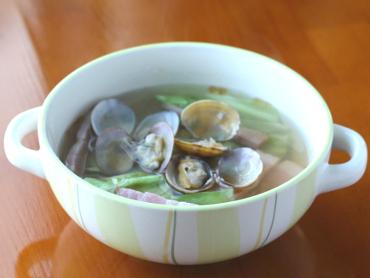 あさりとキャベツのスープ