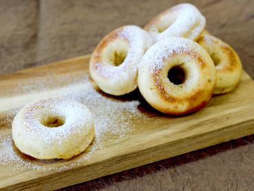さつまいものしっとり焼ドーナツ